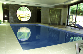 Piscines int rieur piscines miroir en alsace for Carrelage piscine interieure